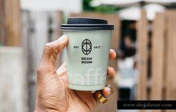 咖啡厅外带手持咖啡杯身品牌广告贴图展示模版 Hand Holding Cup Mockup