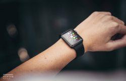 苹果手表iWatch显示设备PSD贴图样机模型North & Nano Apple Watch Mockups