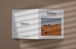 方形双折页小册子封面设计样机模板