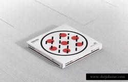 披萨配送外带包装设计样机模板 Pizza Box Mock-Up – Supermarket Edition