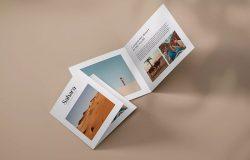 方形双折页小册子设计翻页效果图样机