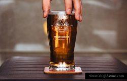 啤酒玻璃杯贴图展示样机PSD模版 Beer Glass Mockup