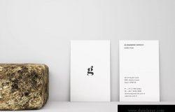竖版设计企业名片正背面效果图样机 Vertical Business Card Mockup – Front & Back