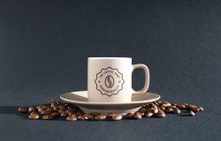咖啡麻布袋+手持杯贴图样机
