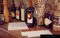 信封/信头/酒瓶葡萄酒品牌VI设计效果图样机模板 Letterhead, Wine Bottle, Envelope Mockup