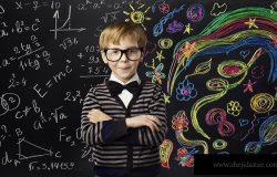 儿童创造力教育理念、儿童学习艺术、数学、配方学校、男生-关于黑色粉刷板的几点看法