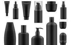 一套适用于高档化妆品的现实黑色包装:筒状奶油瓶,配泵配药器或喷雾油洗剂或洗发水、凝胶淋浴和液体肥皂。白色孤立体的矢量模拟