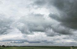 灰蒙蒙的天空全景